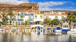 Waterfront village in the mountains of Gran Canaria