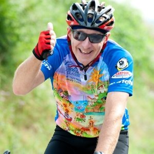 Cyclist wearing Ciclismo catalog jersey