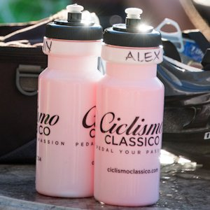 Ciclismo branded water bottles