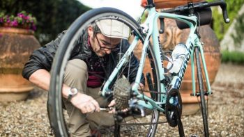 Guide fixing a bike